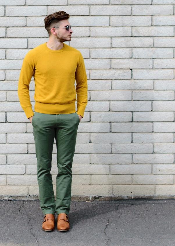 Yeşil pantolon üstüne ne giyilir?