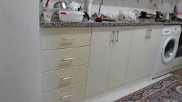 Sararan Mutfak Dolapları Nasıl Temizlenir?