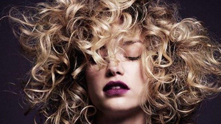 Kıvırcık Saç Bakımı Nasıl Yapılır?