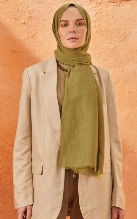 Esmerlere Yakışan Şal Renkleri : Açık Yeşil Tonlar