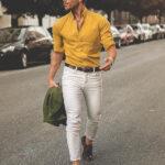 Sarı gömlek beyaz pantolon