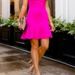 Fuşya Elbisenin Altına Hangi Renk Ayakkabı Giyilir?