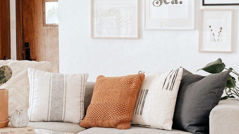 Krem Koltuğa Hangi Renk Yastık Olur?