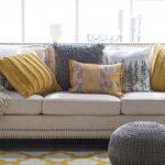 Krem renk koltuğa ne renk yastık