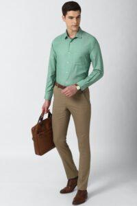 Su yeşili gömlek kombinleri erkek