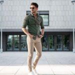 Yeşil gömlek pantolon kombinleri
